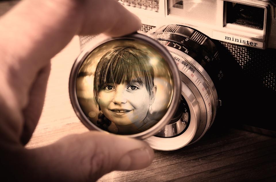 lens-833068_960_720