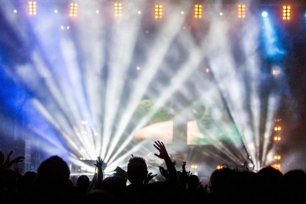 concert-336695_960_720